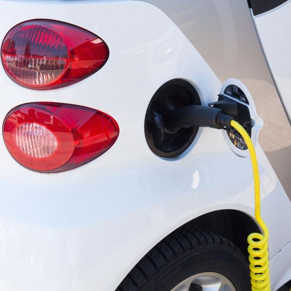 Stelling: Ik koop een elektrische auto als ik €4000 op mijn aankoopbedrag terug krijg
